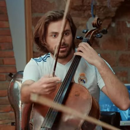 2Cellos doen Seven Nation Army