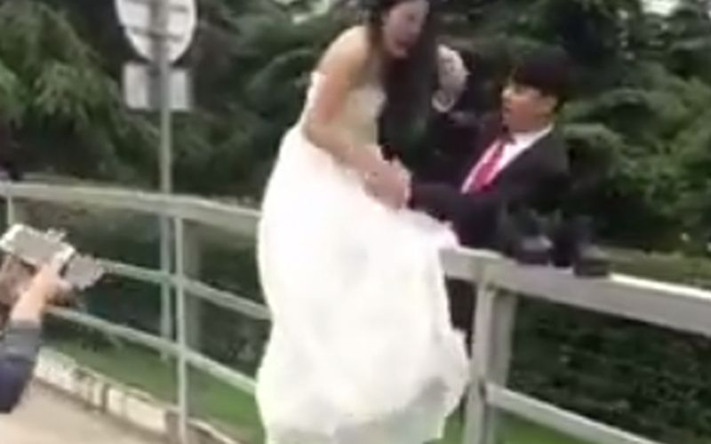 Pijnlijke fail voor de bruid op de dag van de bruiloft