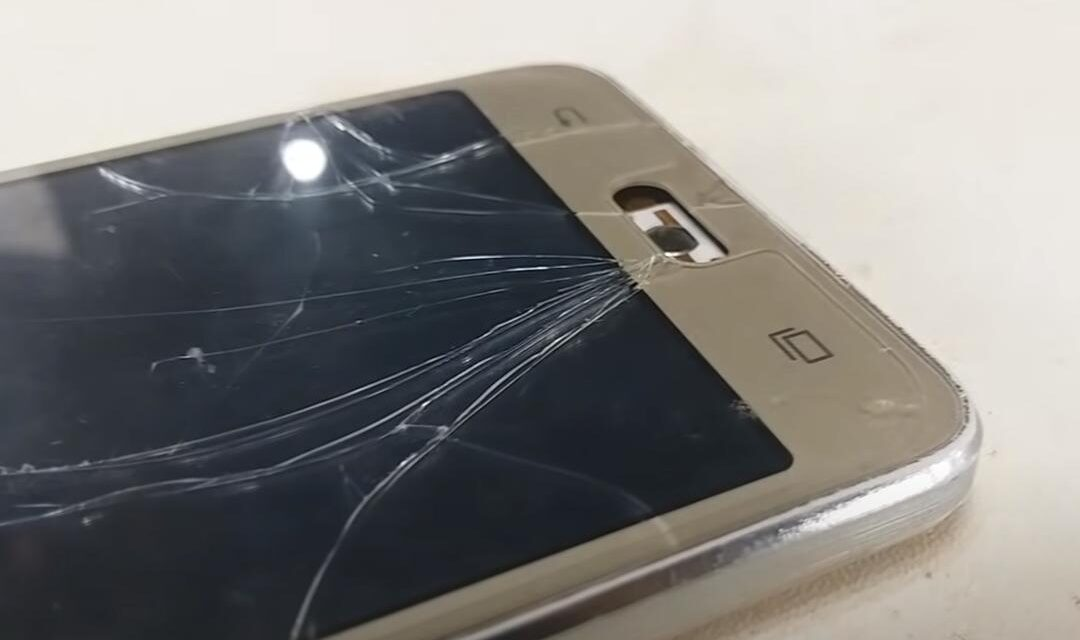 Vrouw steekt man in brand na ruzie over gebruik mobiele telefoon