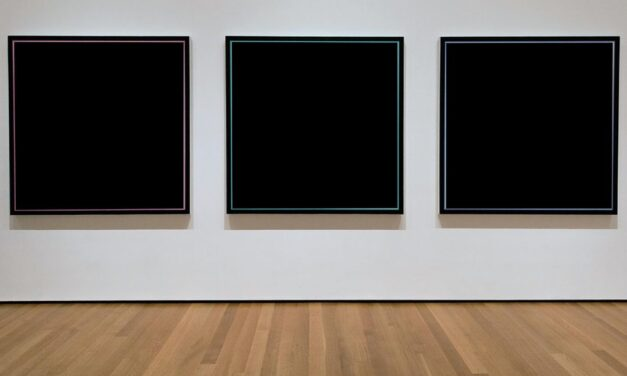 5000 vrouwen gerangschikt van lelijk tot lelijker; gallery stopt met expositie